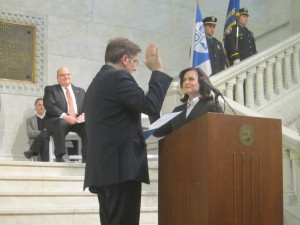 Betsy Hodges gets sworn in as Mayor of Minneapolis
